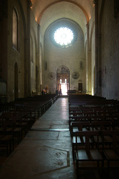 Fichier:ND-du-Bourg de Digne intérieur.jpg