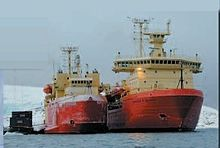 NSF Research Vessels Laurence M. Gould and Nathaniel B. Palmer - showing their relative size.jpg