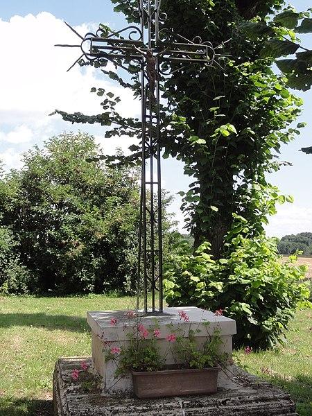 Neuflieux (Aisne) croix de chemin