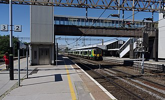 Northampton railway station - London Midland service at Northampton in 2012 prior to rebuilding.