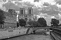 Notre Dame, Paris May 2005.jpg