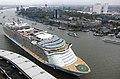 Oasis of the Seas . (15513503906).jpg