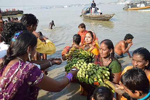 Offering to Sun God - Chhath Puja Ceremony - Baja Kadamtala Ghat - Kolkata 2013-11-09 4269