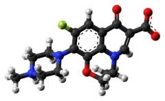 Ofloxacin zwitterion ball from xtal.png