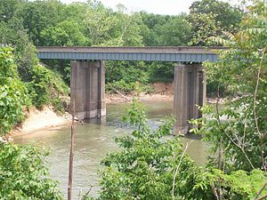Barren River - The Barren River, bridged by Old Louisville Rd near Bowling Green.
