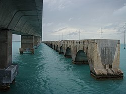 Overseas Highway Channel 5 Bridge.jpg