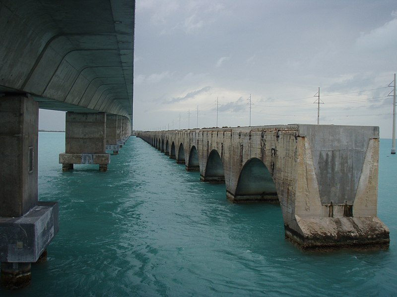 File:Overseas Highway Channel 5 Bridge.jpg