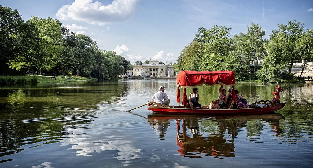 > Palais sur l'eau de Lazienki à Varsovie. Photo de Radek Kołakowski.