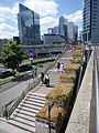 Paris LaDefense Canicule Plantes Seches 3.jpg