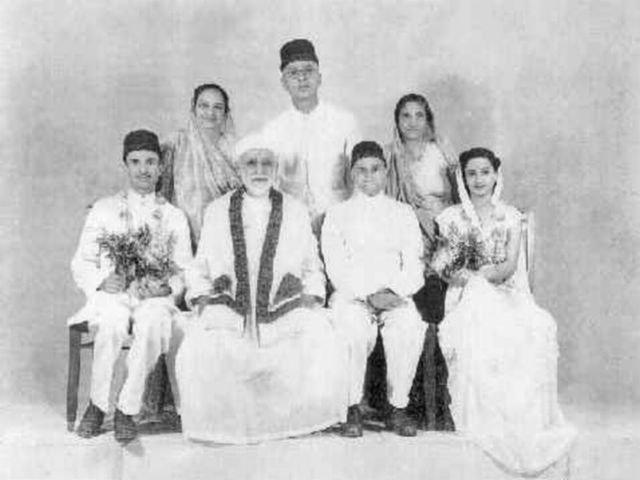 Parsi wedding portrait with Dastur MN Dhalla