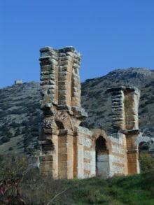Ερείπια βασιλικής στον αρχαιολογικό χώρο των Φιλίππων