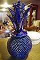 Piña de barro vidriado azul.jpg