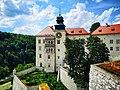 Pieskowa Skala Castle.jpg