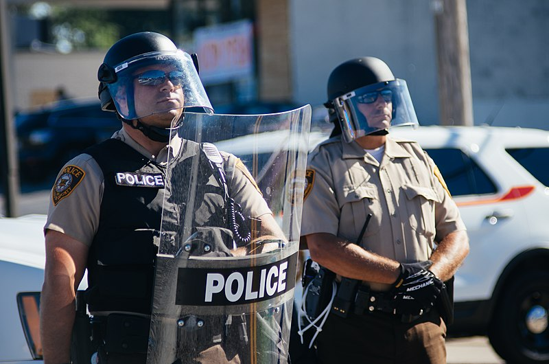 File:Police in riot gear at Ferguson protests.jpg