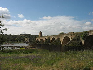 Olivenza - Ruins of 16th-century Ponte da Ajuda over the Guadiana, in the ancient road  between Elvas and Olivenza