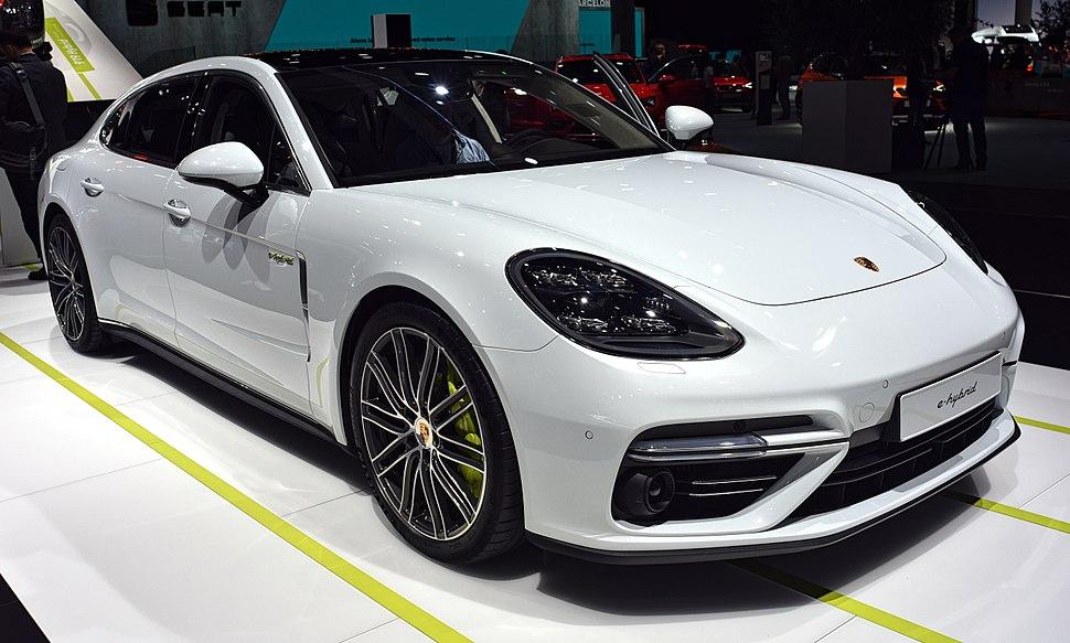 Porsche e-hybrid – IAA 2017 – by Nicolas Völcker