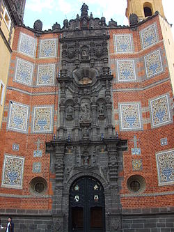 Templo conventual de san francisco puebla wikipedia for La casa del azulejo san francisco