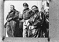 Prins Bernhard (links) aan boord van een motortorpedoboot van de Koninklijke Mar, Bestanddeelnr 935-0146.jpg