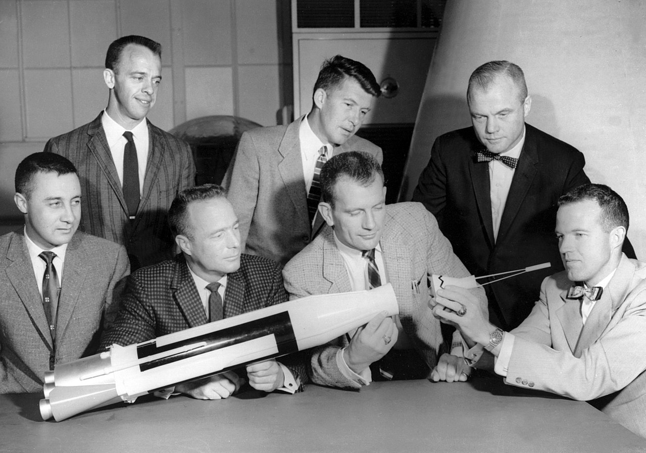 Fichier:Project Mercury-Mercury Seven-Astronauts.jpg ...