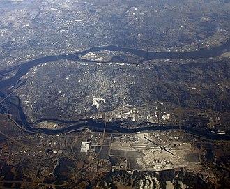 Quad Cities metropolitan area - Image: Quad Cities Aerial