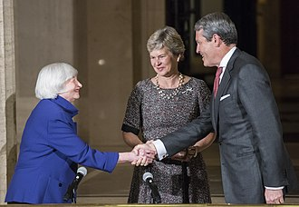 Randal Quarles - Randal and Hope Quarles shake hands with Chair Janet Yellen in 2017 shortly after Quarles is sworn in