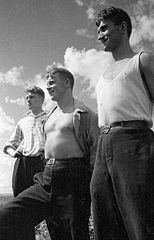 Drei Komsomolzen - die Erbauer der Stadt