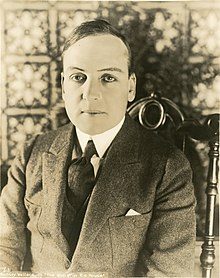 Ramsey Wallace, silent film actor (SAYRE 10636).jpg