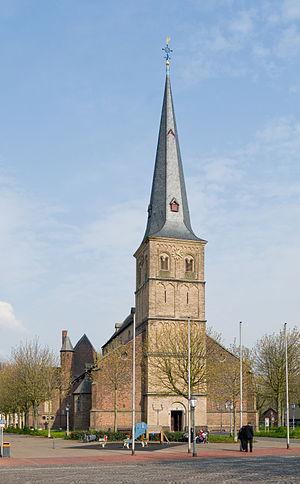 Rheinberg - Image: Rheinberg, St. Peter, 2012 04 CN 01