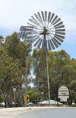 Robinvale Southern Cross Windmill