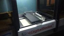 Bestand:Robotický knižní scanner.webm