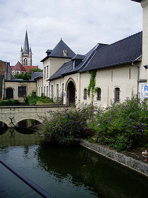 Ronse - Ronse: museum and church of Saint Hermes in the background