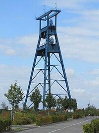 Roost-Warendin - Fosse n° 9 des mines de l'Escarpelle (29).jpg