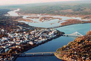 Stadtzentrum von Rovaniemi liegt am Zusammenfluss von Ounasjoki und Kemijoki