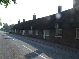 Little Barford - Image: Row of cottages at Little Barford geograph.org.uk 453886
