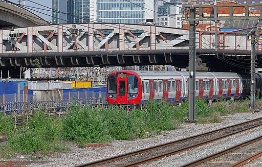 Royal Oak tube station MMB 01 S Stock