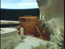 Fichier:STS-125 Atlantis payload bay doors opening.ogv
