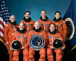 v.l.n.r. Robert Parker, Guy Gardner, Ronald Parise, Vance Brand, Jeffrey Hoffman, John Lounge, Samuel Durrance