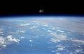 STS070-701-070 Moonrise.jpg
