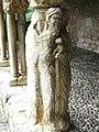 Saint-Bertrand-de-Comminges cloître statues colonnes (2).JPG