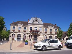 SaintGermainDuPlainMairie.JPG