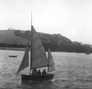 Salcombe Yawl - A Salcombe Yawl, reefed, crewed by teenagers on the Kingsbridge Estuary in 1967