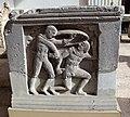 Sarcofago con scene di battaglia e geni funerari, 03.jpg