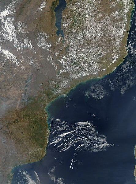 mapa de moçambique via satelite Fichier:Satellite image of Mozambique in September 2002.  mapa de moçambique via satelite