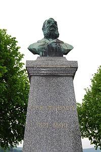 Schoenenwerd Carl Franz Bally monumento 266.JPG