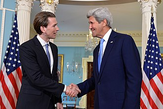 Sebastian Kurz - Kurz with U.S. Secretary of State John Kerry, 4 April 2016