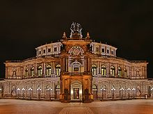 Semperoper at night.jpg