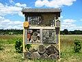Sielmanns Naturlandschaft Wanninchen Bienenhaus.jpg