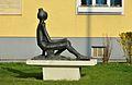 Sitzendes Mädchen by Hans Knesl, Wienerbergstraße 14 (02).jpg