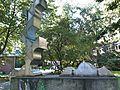 Skulptur im Von-Melle-Park (3).jpg
