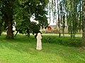 Smírčí kříž v Rájci na návsi (Q72741994) 02.jpg